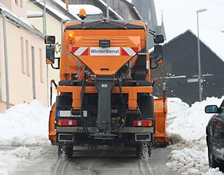 winterdienst-raeumfahrzeug